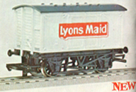 Lyons Maid Closed Van