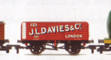 J.L. Davies & Co. 7 Plank Wagon