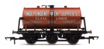 Independent Milk Supplies 6 Wheel Milk Tank Wagon