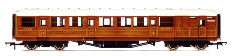 L.N.E.R. 61ft 6in Corridor Brake Coach