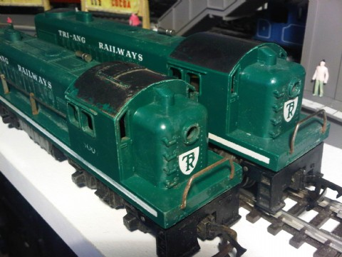 Plain Roof R.155 in Green
